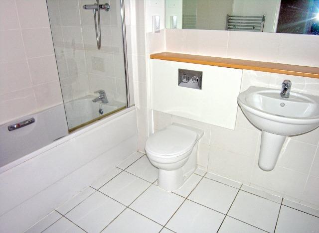 bathroom new (640x468)