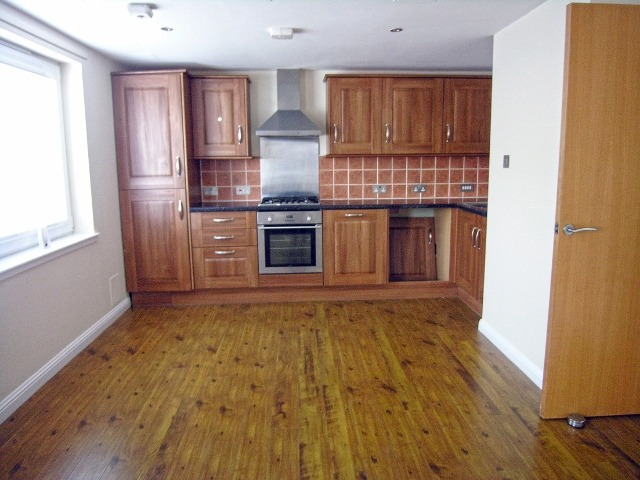 kitchen 2 new (640x480)