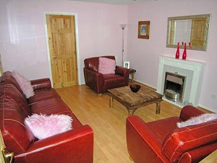 lounge small