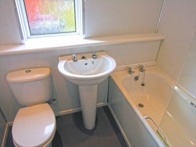 bathroom (2) (640x480)